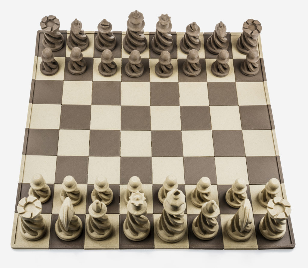 3d printed chess with Fiberwood filament from Fiberlogy